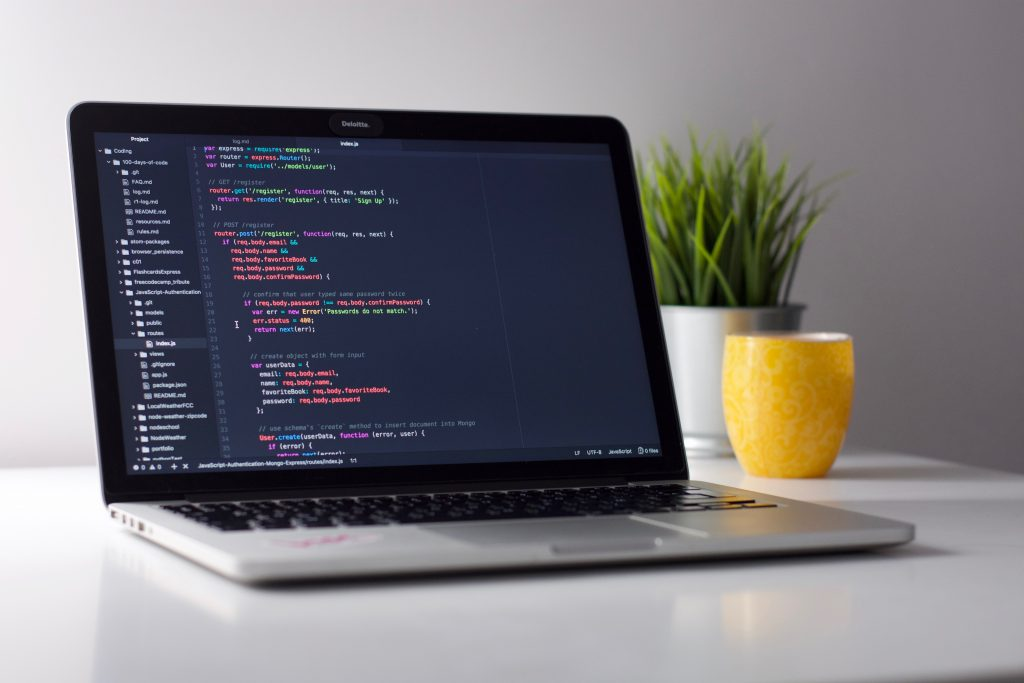 Een goede e-mail maak je bijvoorbeeld met programmeercode.